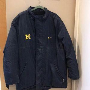 Nike MICHIGAN Stadium Coat Mens L Detachable Hood!